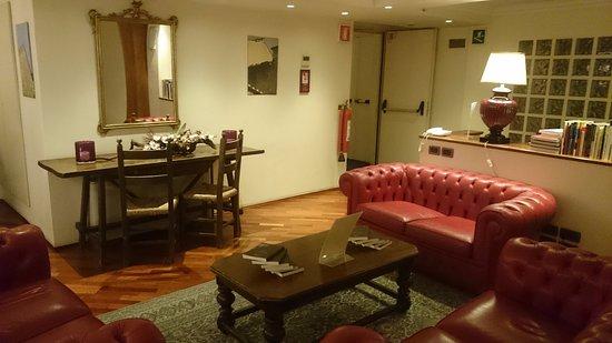 Hotel Laurus al Duomo: up floor hall