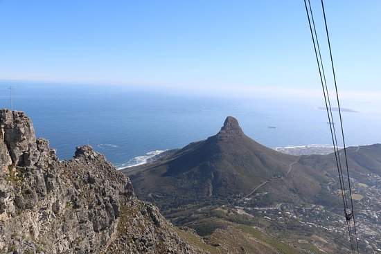 Camps Bay, Sudáfrica: cable way all the way down to the centre