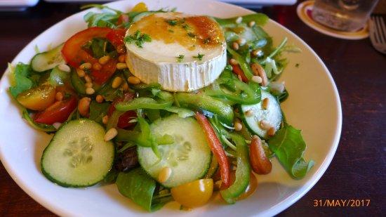 De Klok: Geitenkaas salade (goat's cheese salad) - delicious
