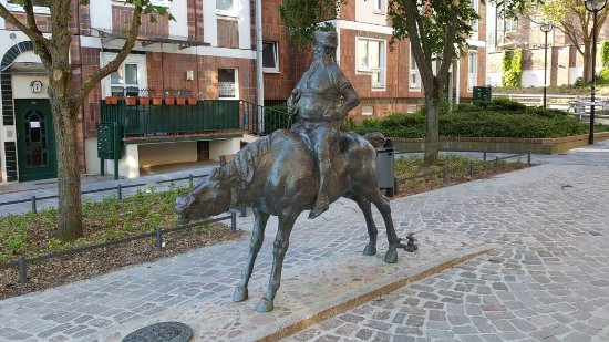 "Skulptur ""Kasper Ohm up sin Vosswallach"""