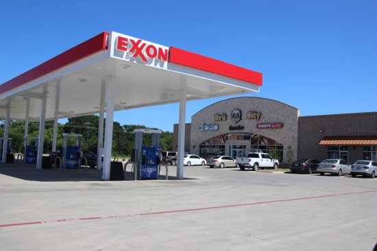 Bru City - In the Exxon gas station - Picture of Bru City