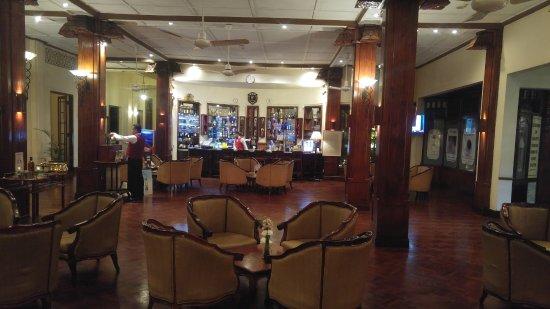 Hotel Suisse: overzicht van de bar