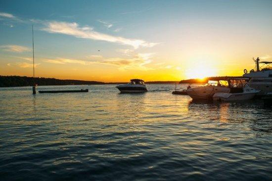 Novy Bereg Hotel Yacht Club