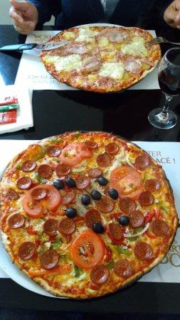 Brehal, France: Pizza's
