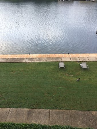 Long Island Lake Resort : photo1.jpg