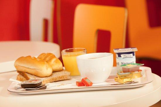 Villeneuve-Saint-Georges, ฝรั่งเศส: Petit déjeuner