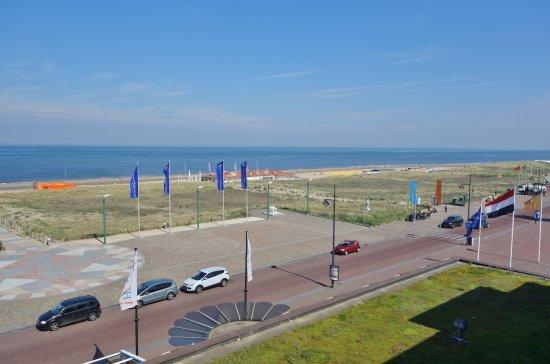 Beach Hotel Noordwijk: Vue de la chambre