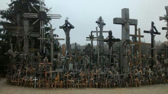 Lituania: Hill of crosses & Vilnius at Christmas time