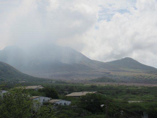 Montserrat: The volcano and periplastic flow