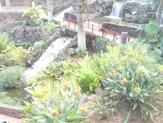 Parque Taoro: Falls within the garden