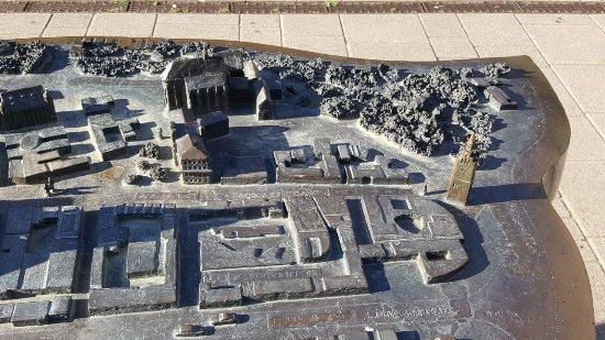 Altstadtmodell aus Bronze