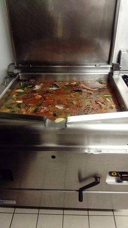 L'Entracte : prèparation soupe poisson