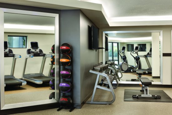 Saint Louis Park, Миннесота: Newly renovated Fitness Center with Precor equipment