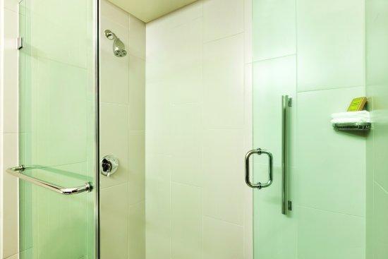 Saint Louis Park, Миннесота: Upgraded King Executive bathroom
