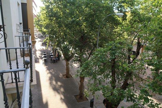Apartamentos Murallas de Sevilla: Вид с балкончиков