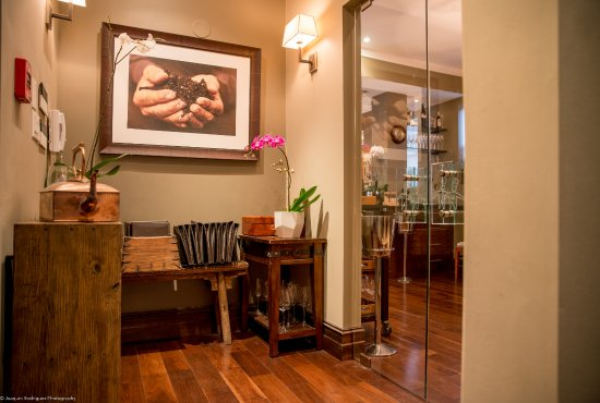 Pied A Terre Dining Room Entrance