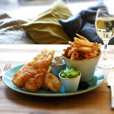 The Stand Bistro: Fish & Chips