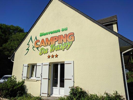 Thury-Harcourt, Fransa: Habitation des gérants, à l'entrée du camping (je pense)
