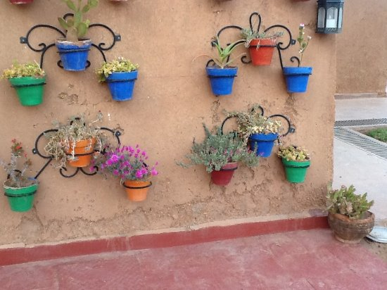 Ibis Moussafir Ouarzazate: A nice outdoor decoration