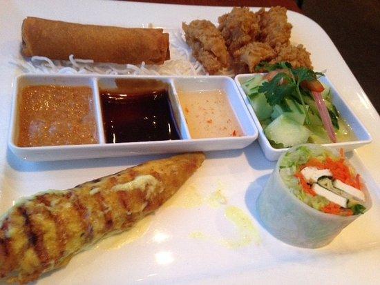 thai house cuisine milton 181 main street east restaurant reviews phone number photos. Black Bedroom Furniture Sets. Home Design Ideas