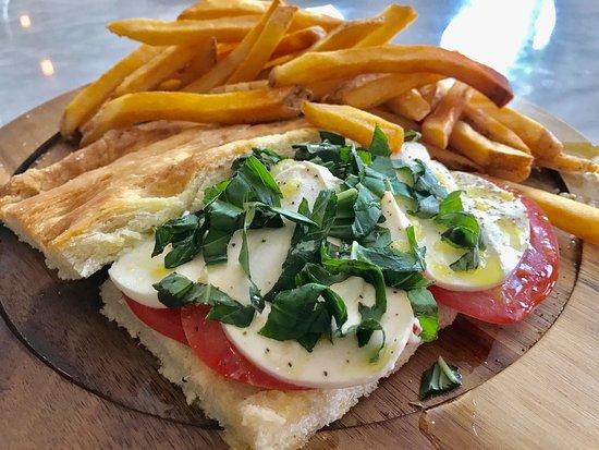 North Augusta, Южная Каролина: Italian Schiacciata with French Fries