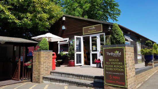 Thriftwood Holiday Park : Reception and Shop, open every day from 8am to 5pm, all year round!