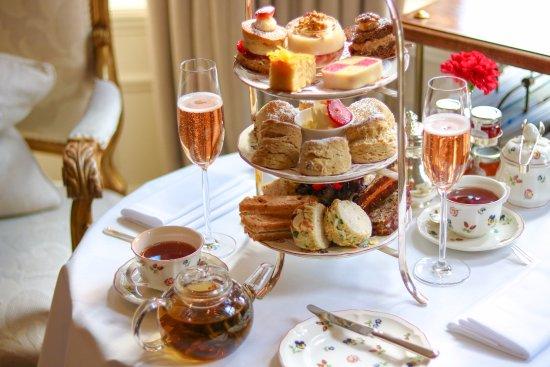ذا إجيرتون هاوس هوتل: Traditional Afternoon Tea