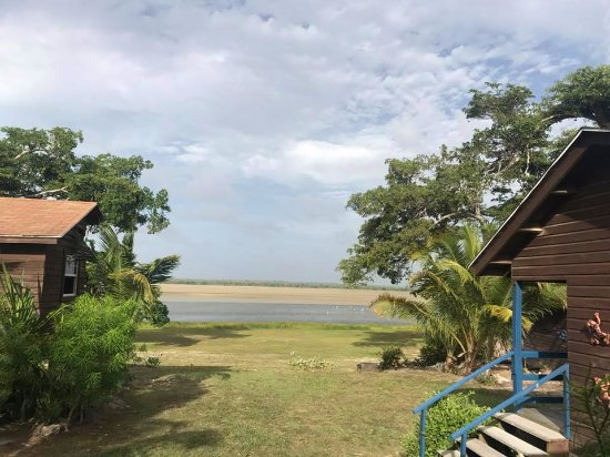 Crooked Tree, Belize: This was a cloudy day, can you imagine with a better wheater the view?