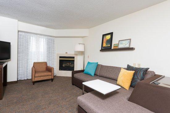 Grandville, MI: Studio Suite with Fireplace