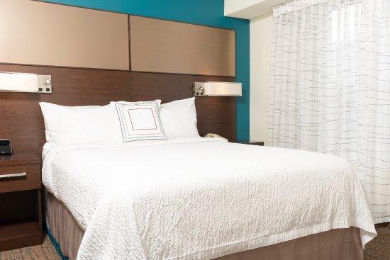 Grandville, MI: One Bedroom Suite