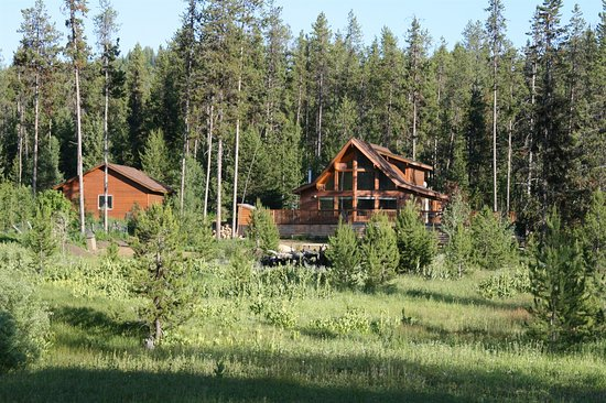 McCall, ID: Family Cabin- Private setting, sleeps 10