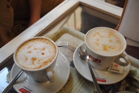 Cornudella de Montsant, İspanya: Tomar un buen desayuno, en un ambiente agradable y un entorno privilegiado no tiene precio...