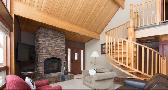 McCall, ID: Family Cabin- Living Room