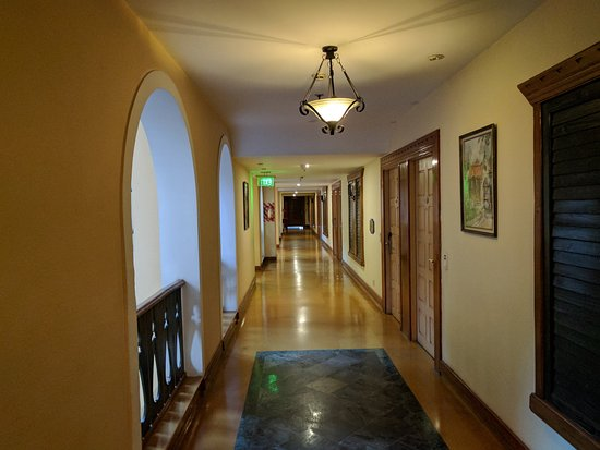 Fortune Hotel Sullivan Court: Really liked the way the corridor was organised