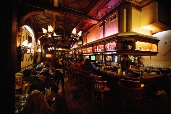 Mader's Knights Bar