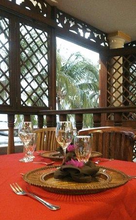 Posada Macanao Lodge: Comedor con vista al mar.