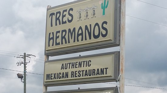 Livingston, AL: Tres Hermanos