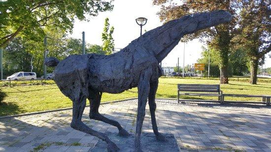 """Skulptur """"Schreiender Hengst"""""""