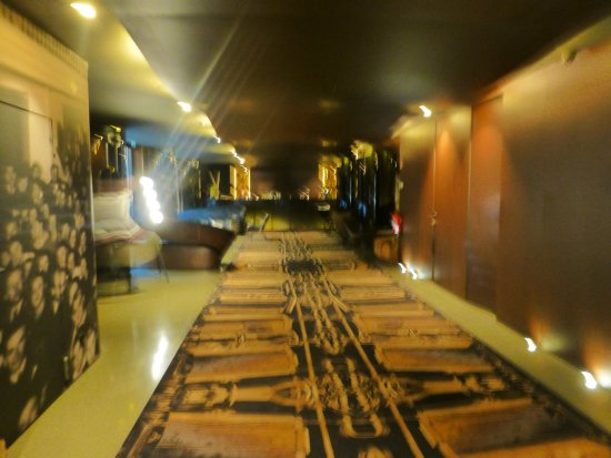 Hotel Teatro Porto: Camino al desayuno
