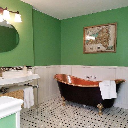 New Canandaigua bath