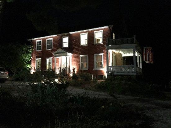 Applewood Manor Inn Bed & Breakfast: photo0.jpg