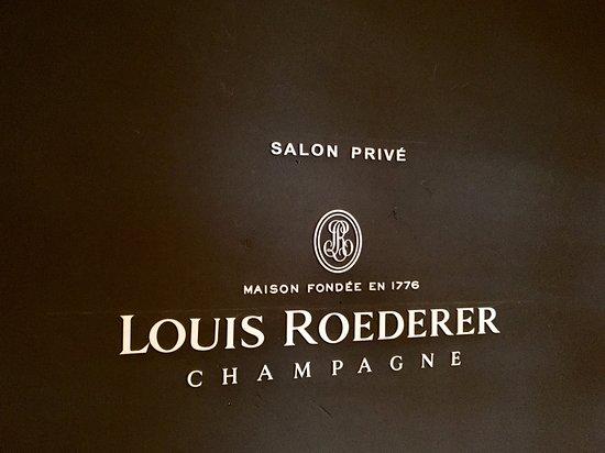 Chef Rouge : SALON PRIVÉ LOUIS ROEDERER
