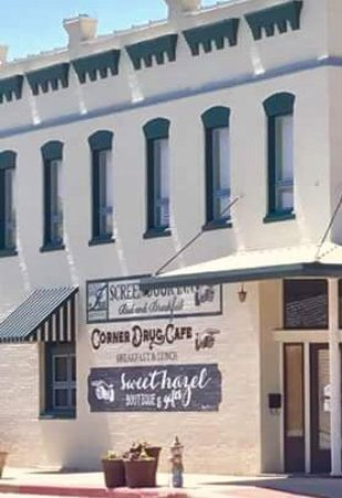 Clifton, Техас: Corner Drug Cafe