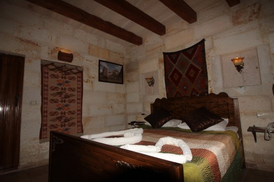 Safran Cave Hotel: Our room