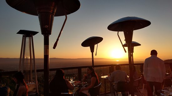 Mount Hamilton, Kalifornien: View from our table of the sun setting