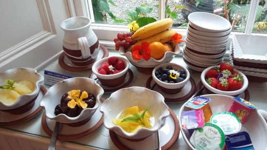 Дангарван, Ирландия: Breakfast a pretty display
