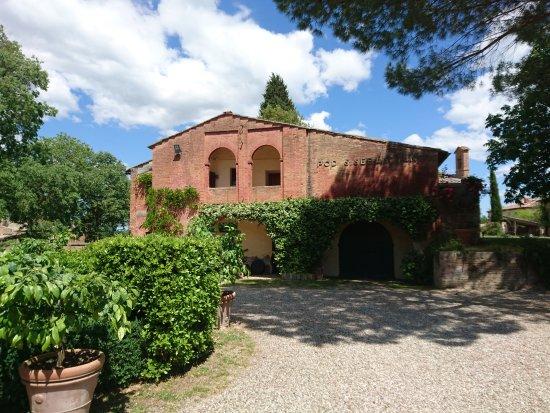 Castello di San Fabiano: INTERNO DEL CORTILE DEL CASTELLO.