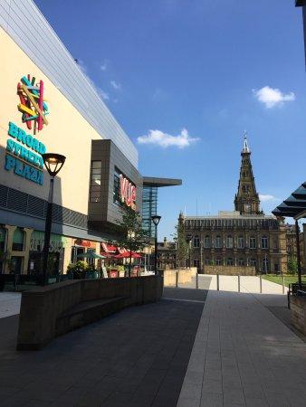 Premier Inn Halifax Town Centre: photo1.jpg