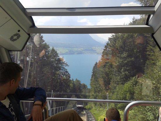 Beatenberg, Switzerland: Lake view from the cart