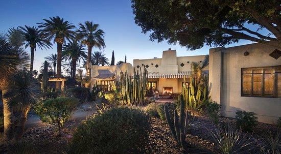 Litchfield Park, Аризона: Property Grounds